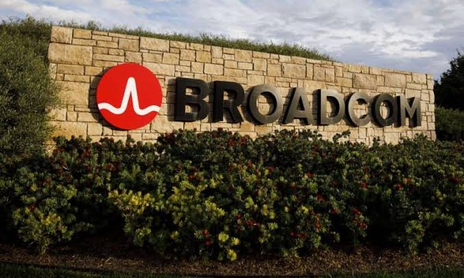 Broadcom's Full-Year Poor Performance Sends Shares Down 2%
